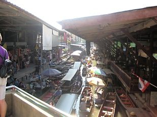 48 - Floating Markets